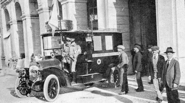 Ambulancia da Cruz Vermelha de1916